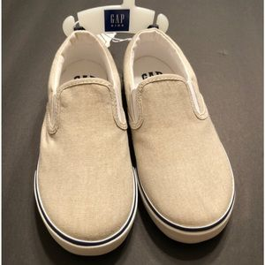 🆕Boys Size 12 GAP Beige Slip-on Sneakers